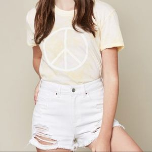 NWT Tie Dye Yellow Peace Sign 70s T-shirt 💛